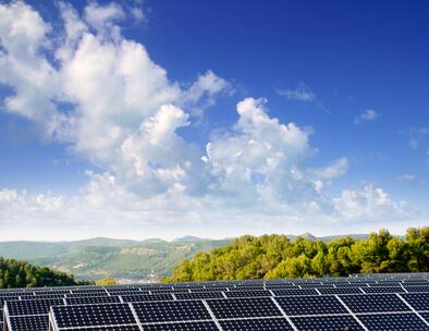 Anteil erneuerbarer Energien erreicht mit 28,5 Prozent neue Höchstmarke