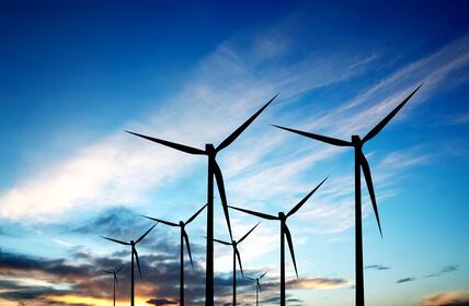 Weniger Investitionen in Erneuerbare Energien