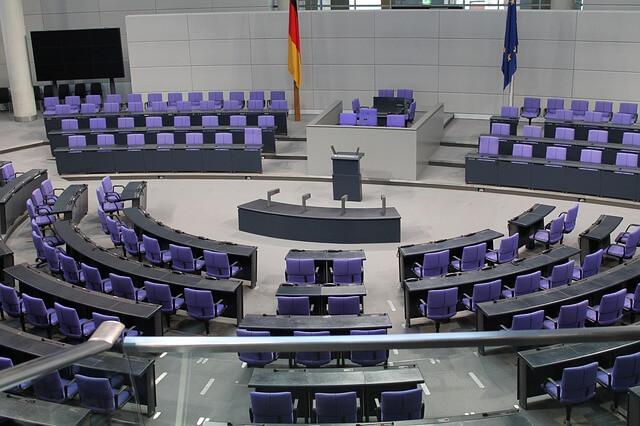 Bundesrechnungshof: Angela Merkels Weg der Energiewende scharf kritisiert