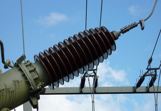 Energieversorger RWE will Millionen sparen: Intelligenz statt Stromnetze