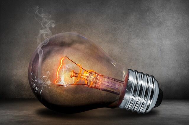 Preise sinken bei 242 Stromversorgern zum Jahreswechsel