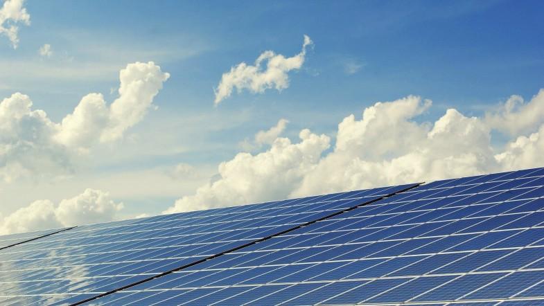 Warum man in wirtschaftlich unsicheren Zeiten in eine eigene Photovoltaikanlage investieren sollte